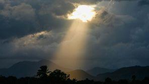 800px-Ray_of_Light_on_Cap_Haitien,_Haiti_(7908717282)